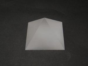 石英ガラスオブジェ ピラミッド/四面クリア・底面スリ状