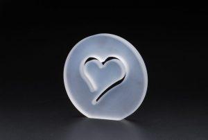 石英ガラス ハートのモチーフオブジェ/スリタイプ